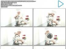 厨师服小孩拿起水壶玩耍倒水进杯子欢乐表情高清视频实拍