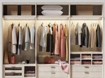 一款衣橱模型 衣柜模型含服装模型 高品质模型